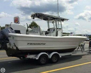 Triumph 235 CC, 23', for sale - $35,000