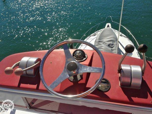 1990 Hatteras 58 Convertible - Photo #3