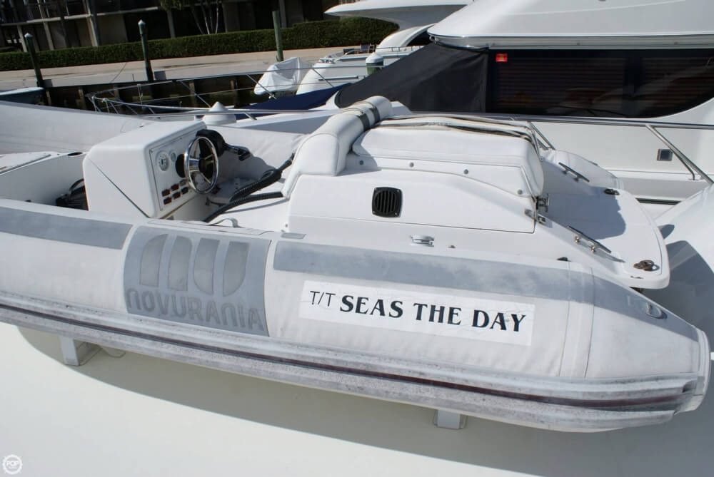 1990 Hatteras 58 Convertible - Photo #38