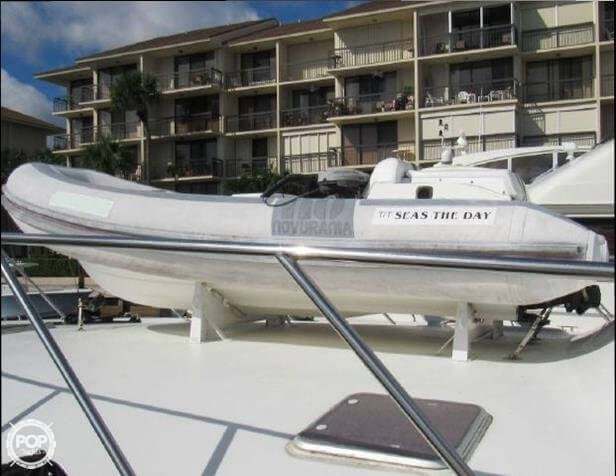 1990 Hatteras 58 Convertible - Photo #28