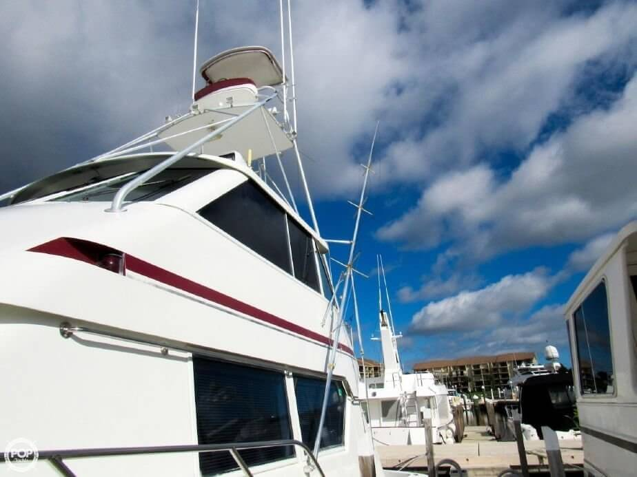 1990 Hatteras 58 Convertible - Photo #17