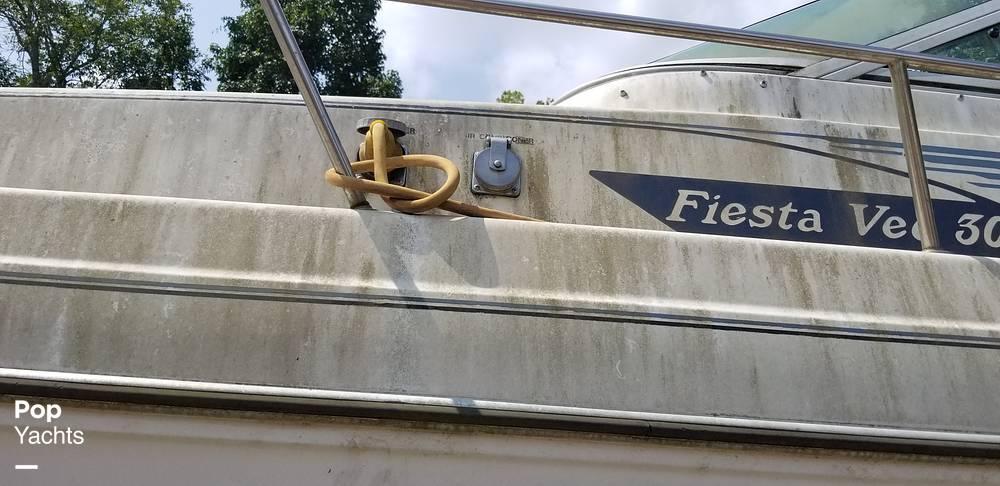 1990 Rinker boat for sale, model of the boat is 300 Fiesta Vee & Image # 36 of 40