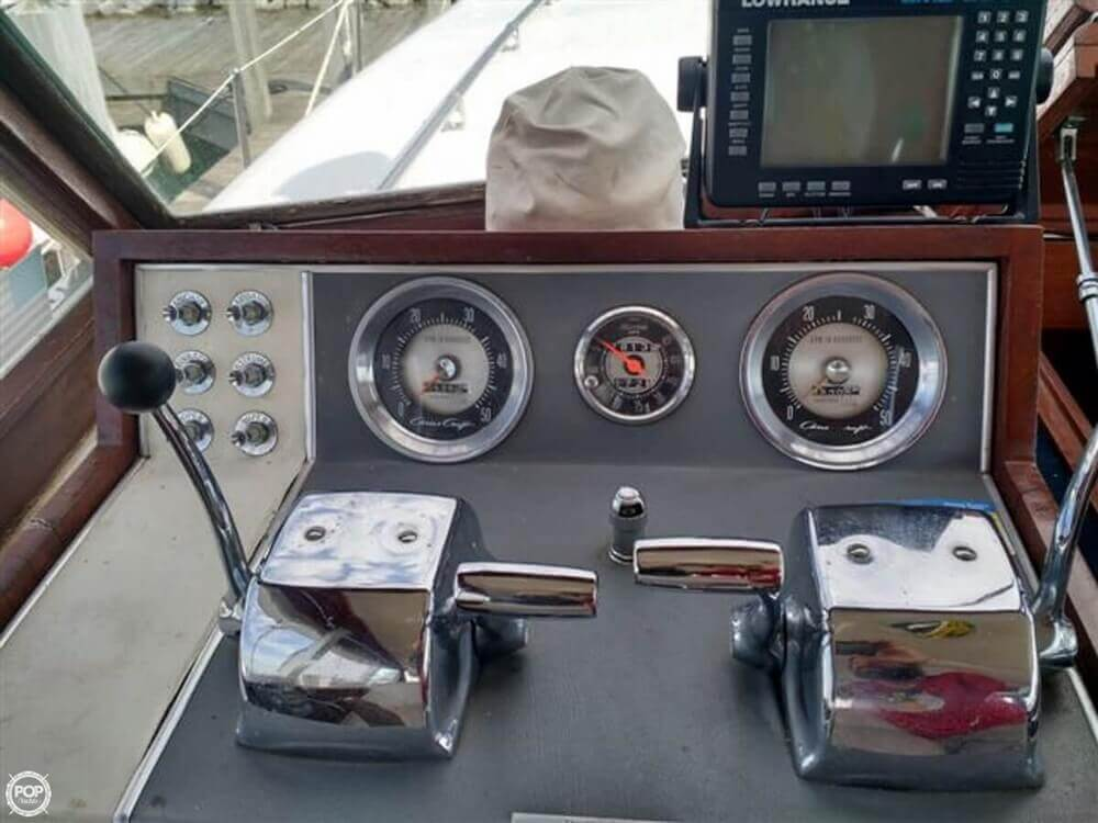 1966 Chris Craft boat for sale, model of the boat is Constellation Hard Top & Image # 5 of 40