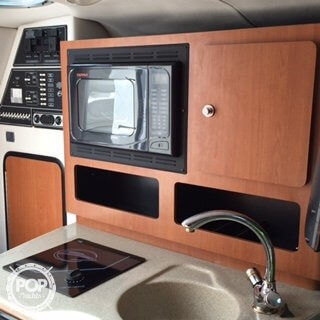 2005 Crownline 250 CR - Photo #10