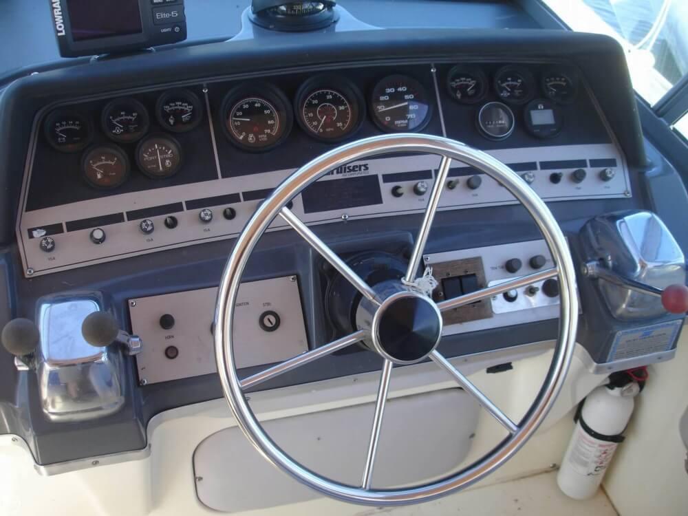 1988 Cruisers 2970 Espirit - Photo #6