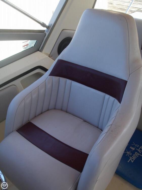 1988 Cruisers 2970 Espirit - Photo #7