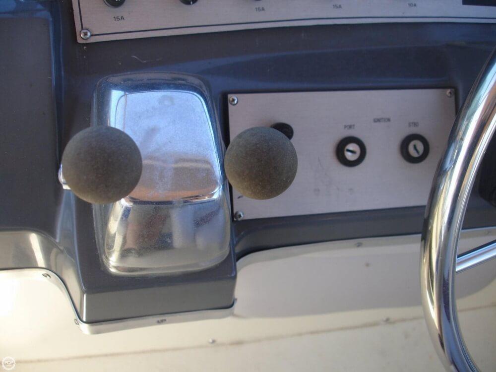 1988 Cruisers 2970 Espirit - Photo #15