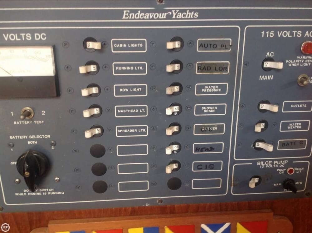 1984 Endeavour 33 - Photo #15