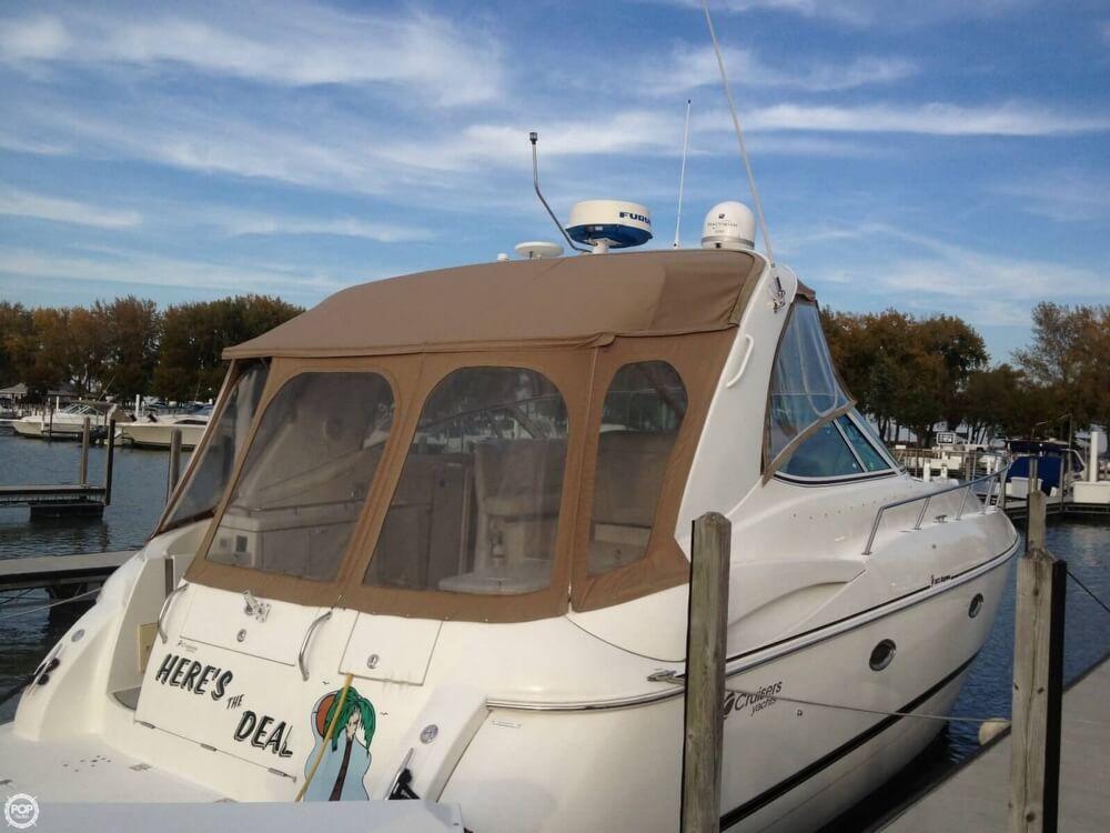 2001 Cruisers Yachts 36 - image 13