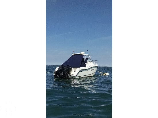 2002 Boston Whaler 255 Conquest - Photo #3