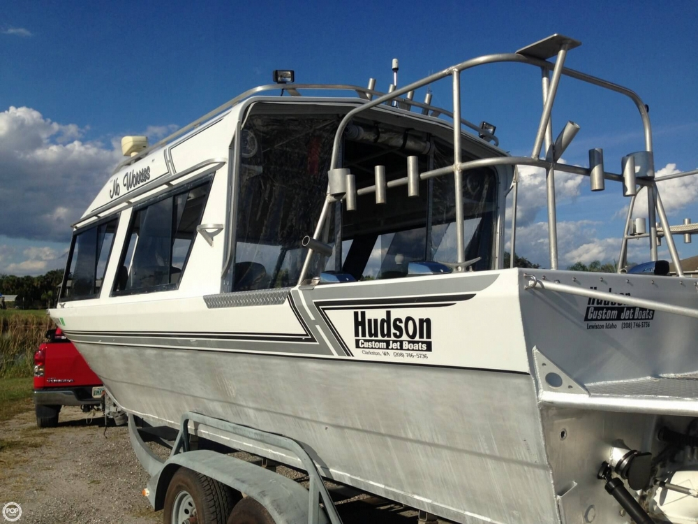 1995 Hudson Custom 27 Jet Boat - Photo #16