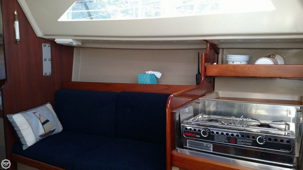 1986 C & C Yachts 27 Mk V ELECTRIC - Photo #12
