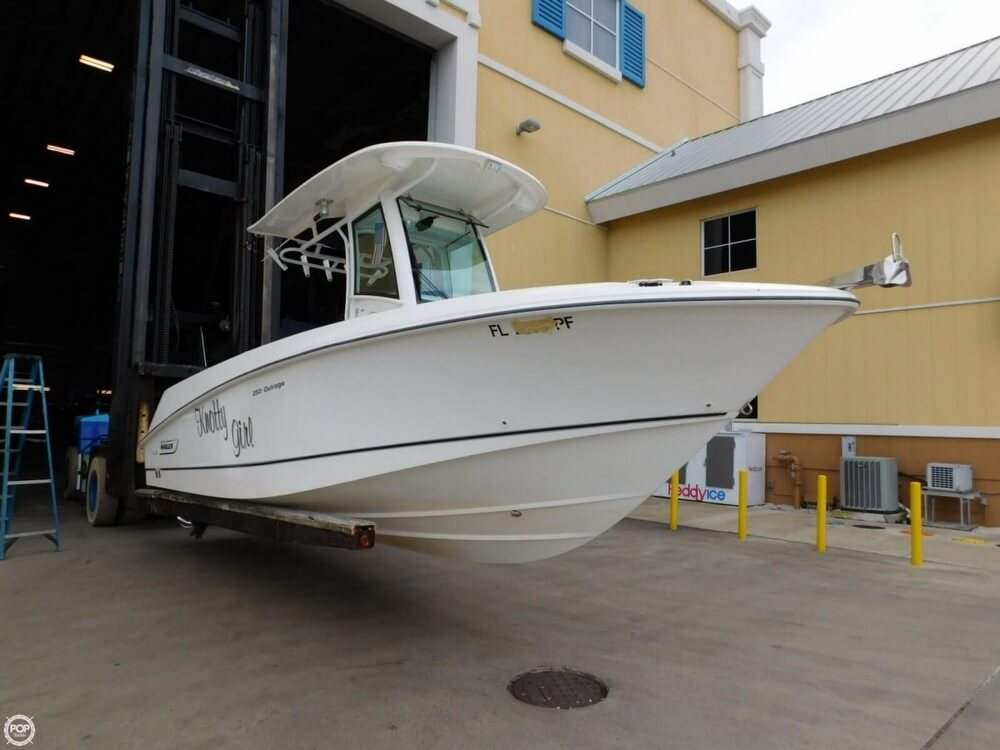 2010 Boston Whaler 250 Outrage - Photo #4