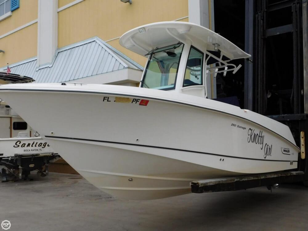2010 Boston Whaler 250 Outrage - Photo #6
