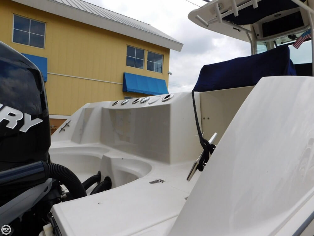 2010 Boston Whaler 250 Outrage - Photo #12