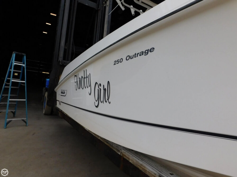 2010 Boston Whaler 250 Outrage - Photo #19
