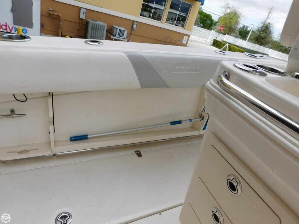 2010 Boston Whaler 250 Outrage - Photo #33