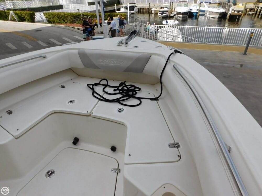 2010 Boston Whaler 250 Outrage - Photo #37
