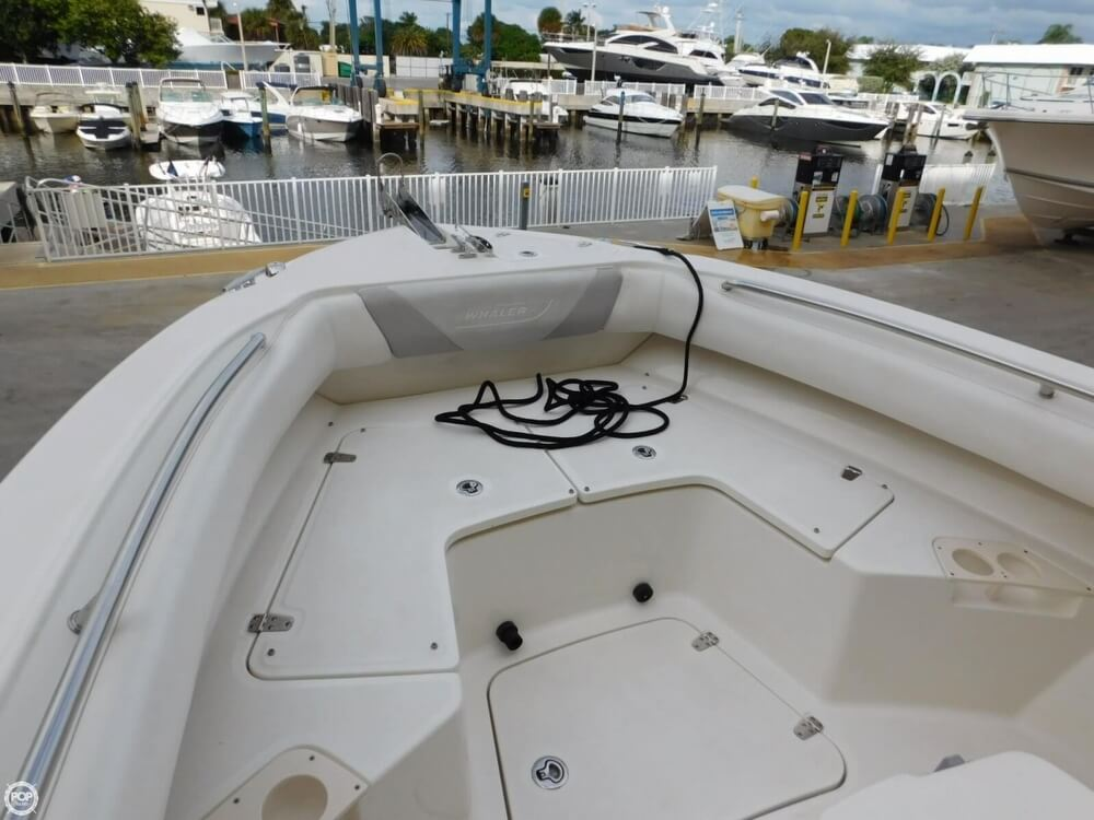 2010 Boston Whaler 250 Outrage - Photo #38