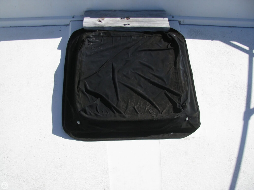 1983 Carver 3396 Mariner Sedan - Photo #24