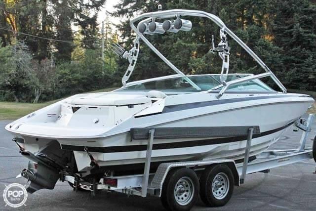 2007 Regal boat for sale, model of the boat is 2200 VBR & Image # 4 of 37
