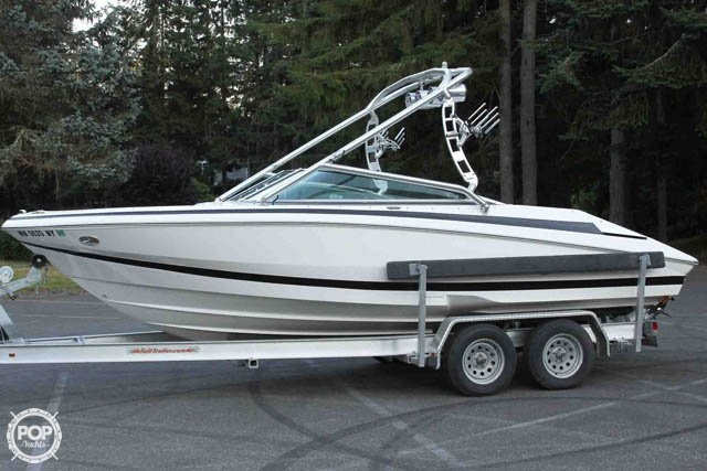 2007 Regal boat for sale, model of the boat is 2200 VBR & Image # 9 of 37