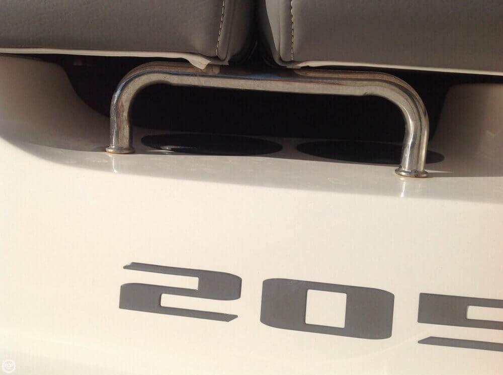 2011 Sea Ray 205 Sport - Photo #27