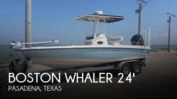 2014 Boston Whaler 240 Dauntless - Photo #1
