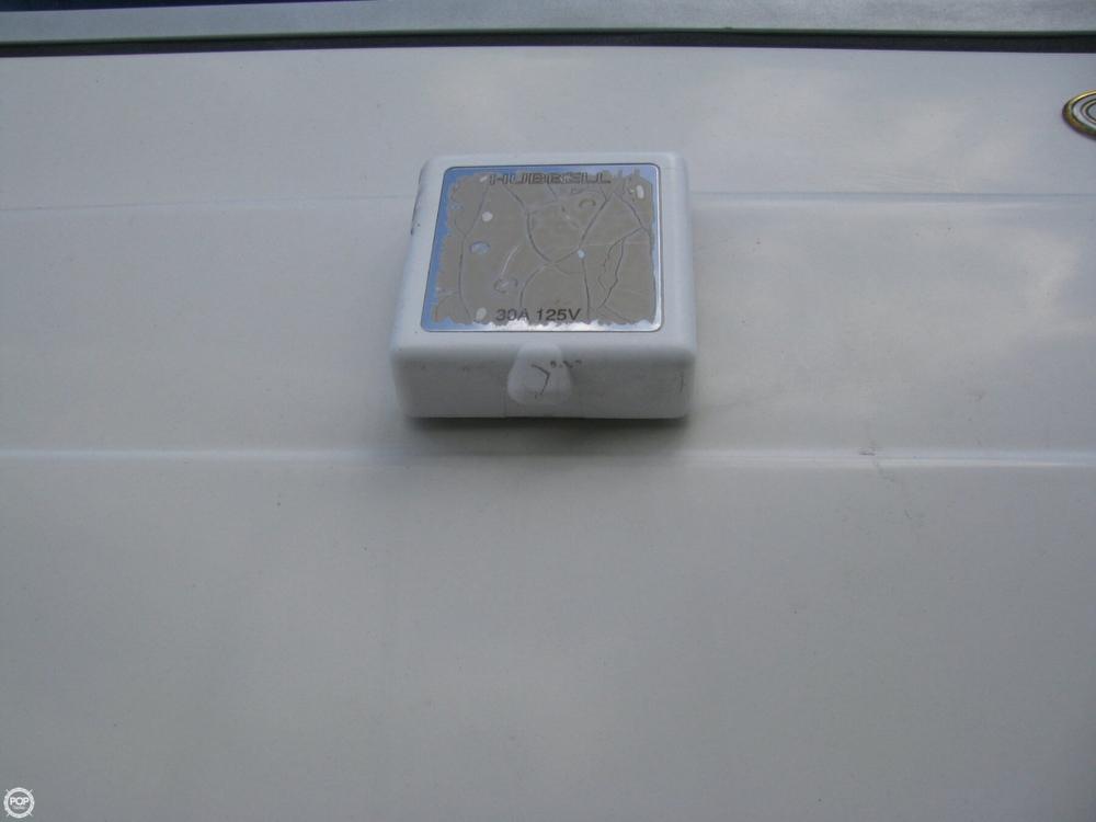 1997 Regal Commodore 258 - Photo #25
