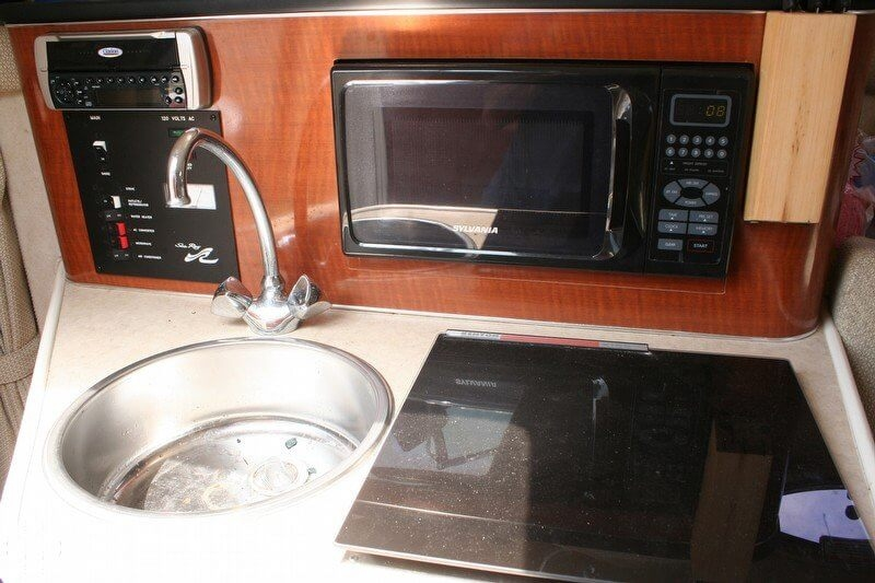 2003 Sea Ray 240 Sundancer - Photo #21
