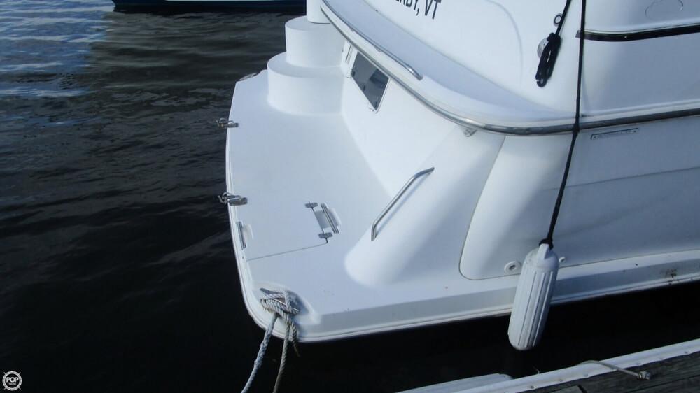 2003 Carver 366 Motoryacht - Photo #12