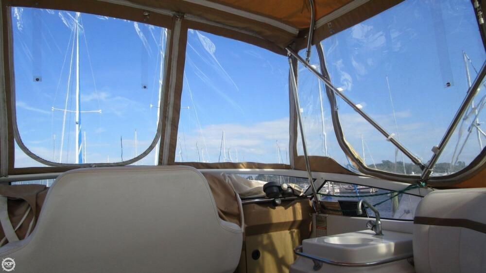 2003 Carver 366 Motoryacht - Photo #28