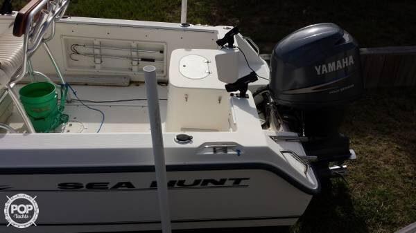 2005 Sea Hunt Triton 220 - Photo #5