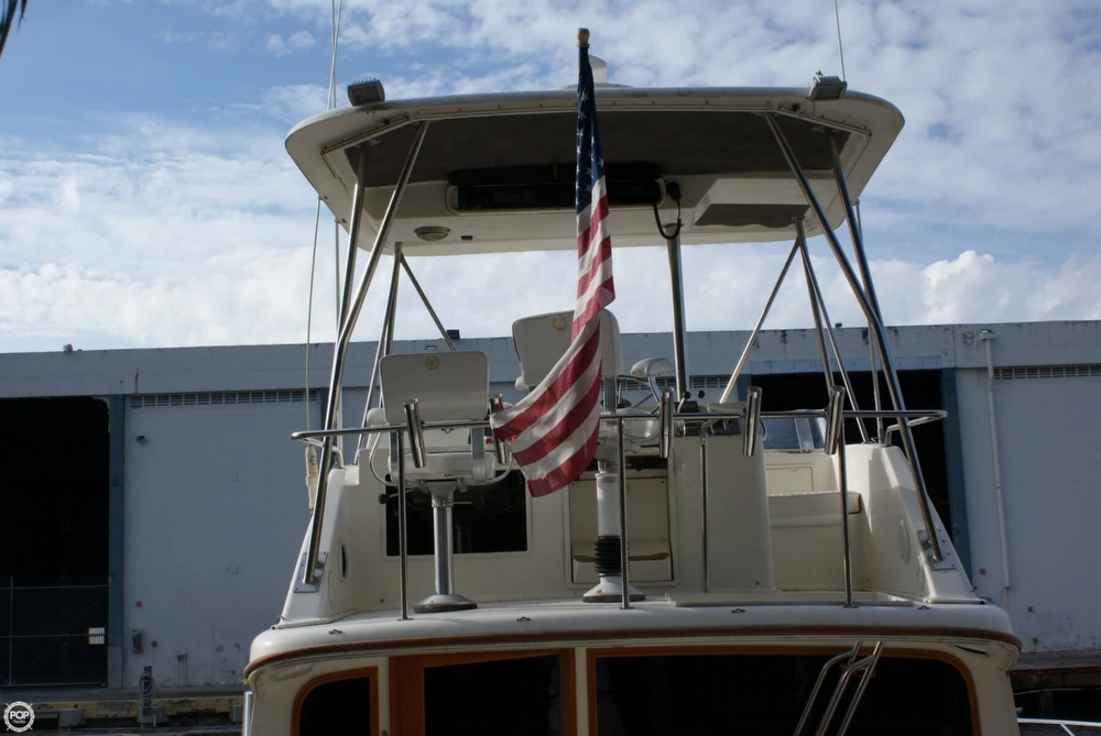 1991 Ocean Yachts 35 - Photo #16