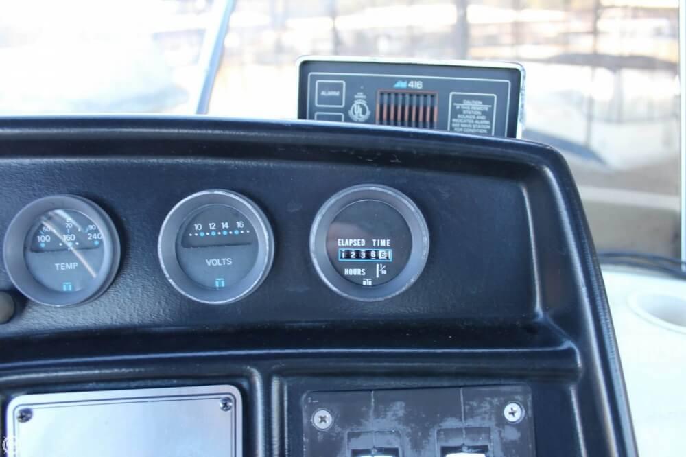 1983 Carver 3207 Aft Cabin - Photo #15