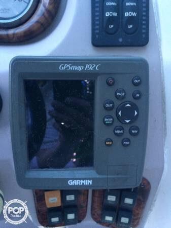 2004 Rinker Captiva 282 Cuddy - Photo #4