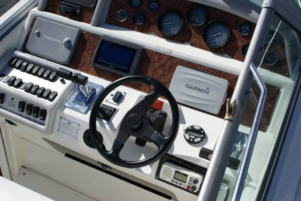 1994 Sea Ray 400 Express Cruiser - Photo #29