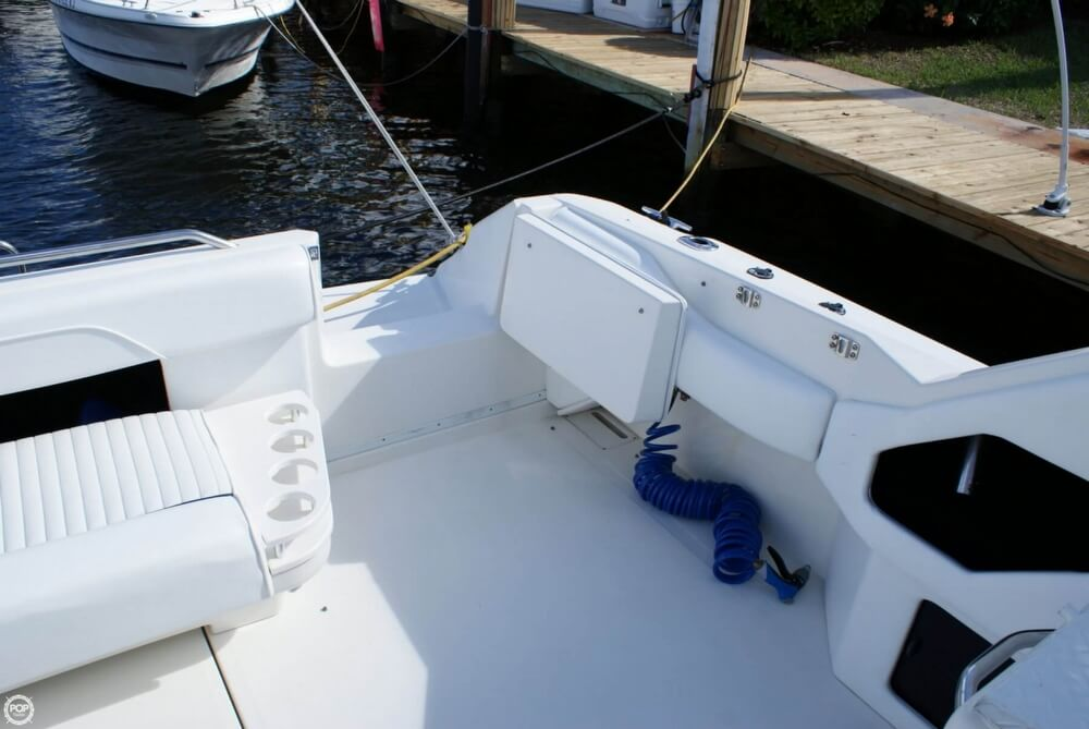 1994 Sea Ray 400 Express Cruiser - Photo #33
