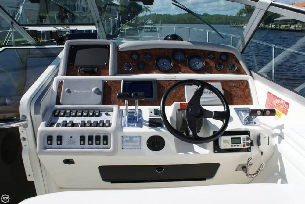 1994 Sea Ray 400 Express Cruiser - Photo #40