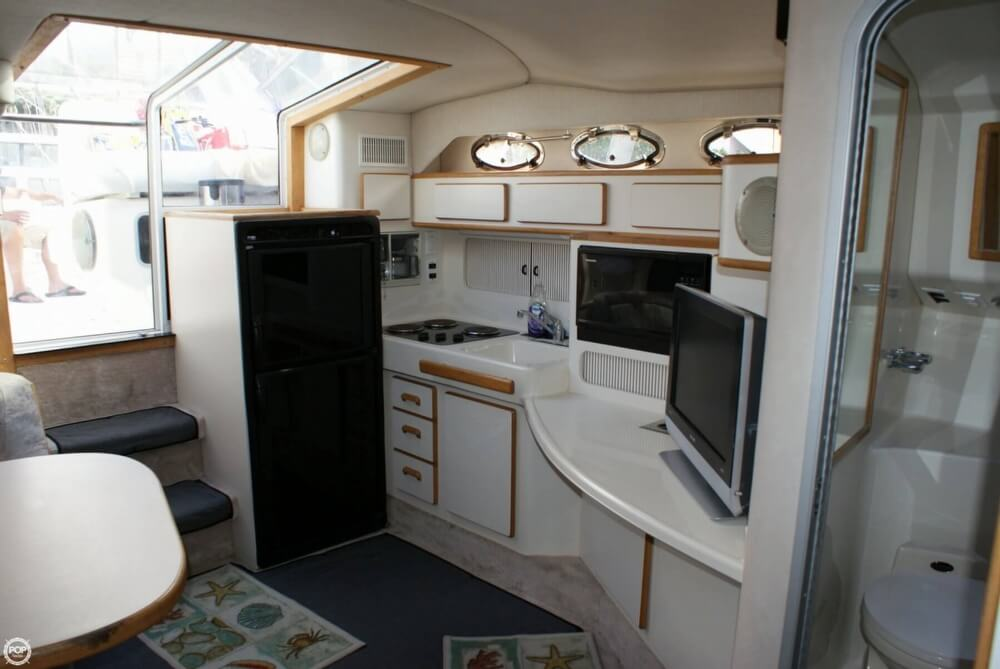 1994 Sea Ray 400 Express Cruiser - Photo #16