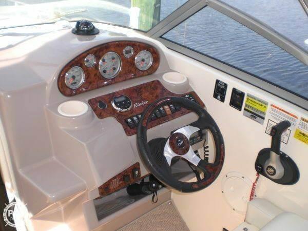 2006 Rinker 250 Express Cruiser - Photo #7