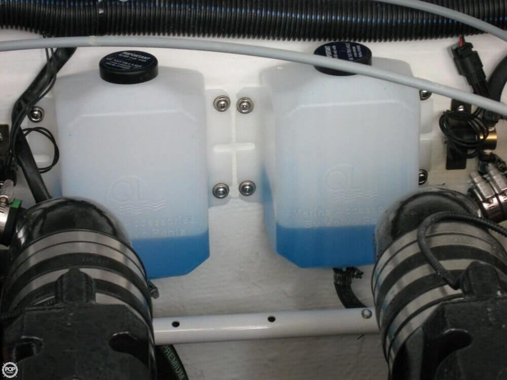 2006 Rinker 39 - image 17