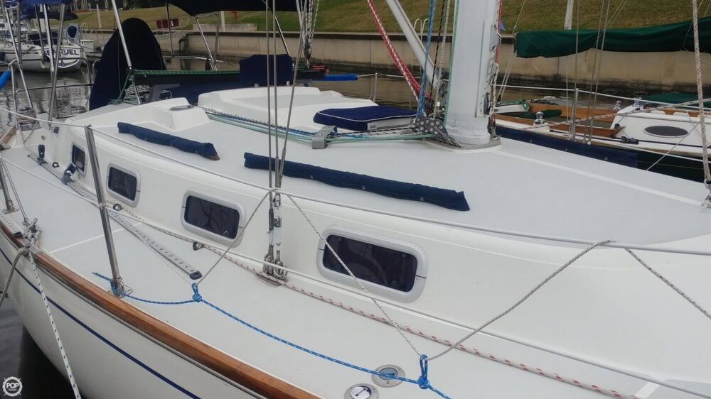 1990 Tartan boat for sale, model of the boat is 34-2 & Image # 18 of 40