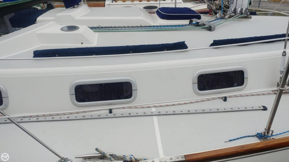 1990 Tartan boat for sale, model of the boat is 34-2 & Image # 21 of 40