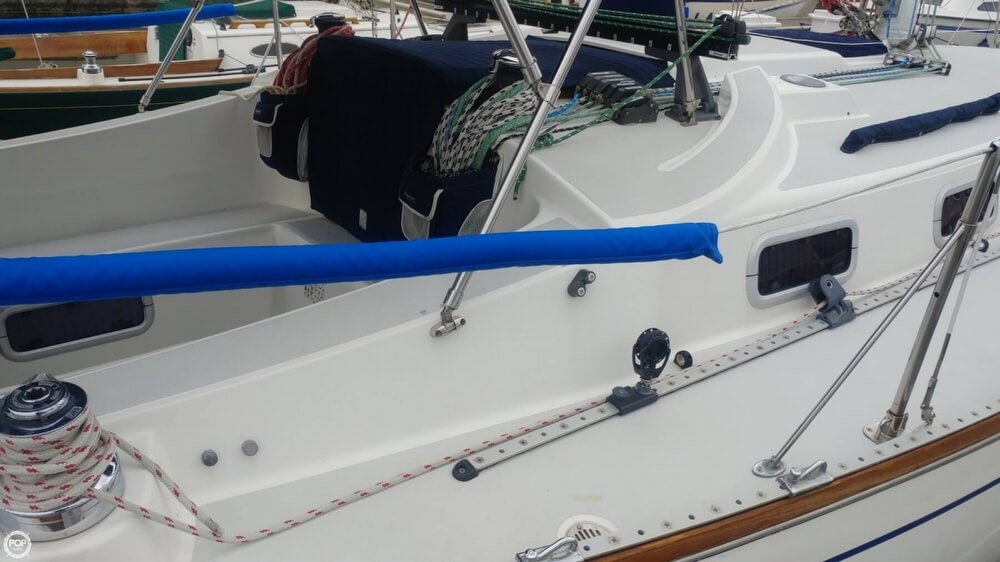 1990 Tartan boat for sale, model of the boat is 34-2 & Image # 22 of 40