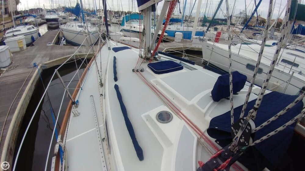 1990 Tartan boat for sale, model of the boat is 34-2 & Image # 28 of 40