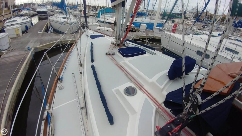 1990 Tartan boat for sale, model of the boat is 34-2 & Image # 29 of 40