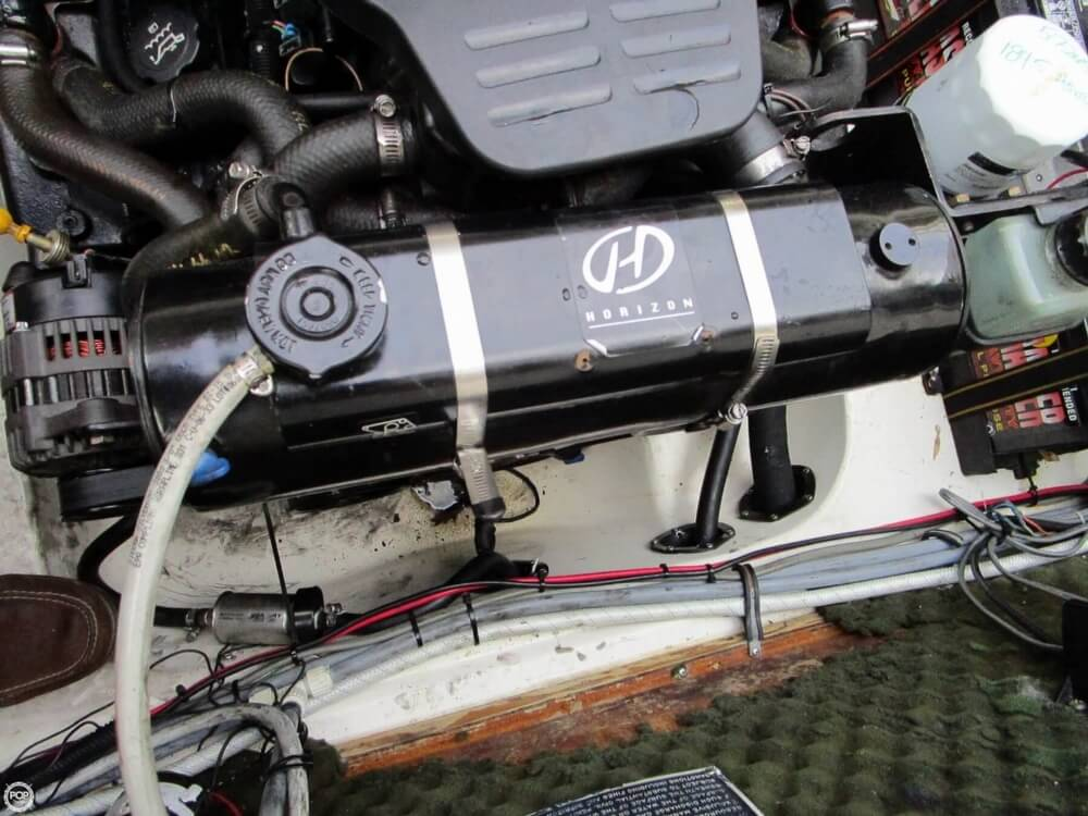 1997 Rinker 266 Fiesta Vee - Photo #35