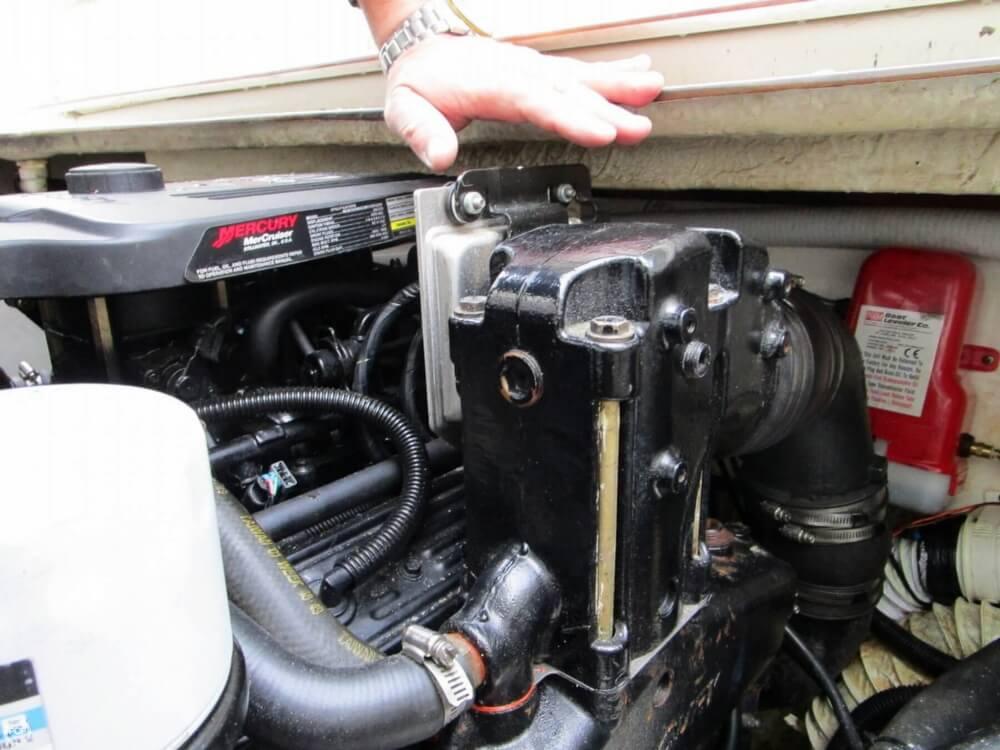 1997 Rinker 266 Fiesta Vee - Photo #38