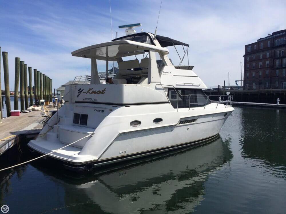 2000 Carver 356 Motor Yacht - Photo #2